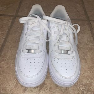 Air Force ones w/ 2 toebox crease preventions